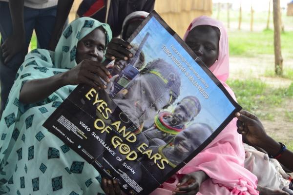110-plakat-nasega-novega-dokumentarnega-filma-premiera-v-begunskem-taboriscu-yida-junij-201289956BC4-AA87-16F3-8B70-AB997F13733B.jpg
