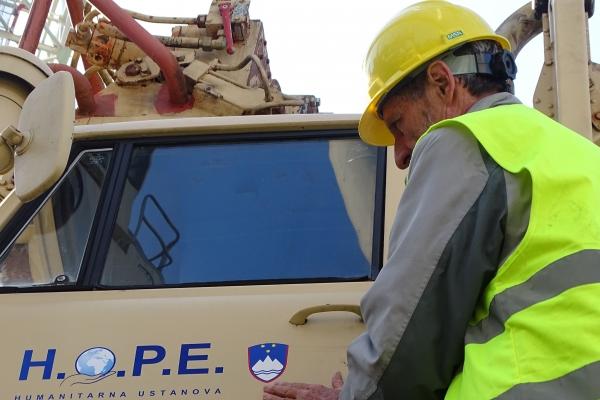 173-naj-varujejo-te-masine-slovenski-simboli59E995FB-8386-98A9-DDD4-12754CCC2252.jpg