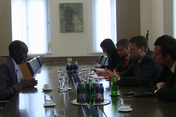59-in-spet-in-znova-s-slovensko-zunanjo-politiko-7-maj-2010-dve-leti-po-smrti-dr-janeza-drovska0CFE7A9D-88C4-BC6F-0129-BCFD3A9A83C8.jpg