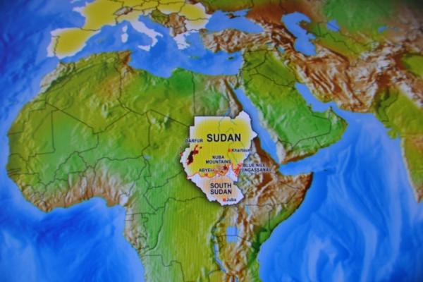 92-maja-2011-so-sudanske-vladne-sile-ponovno-napadle-spla-v-nubskih-gorah-septembra-pa-tudi-v-modrem-nilu9ECBB082-C53F-6932-1611-84BF99F8271D.jpg