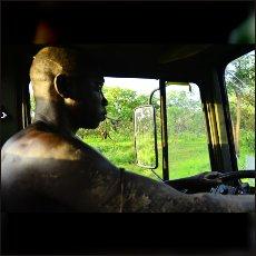Šofer tovornjaka SPLA North.