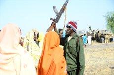 Civilno prebivalstvo podpira uporniško vojsko SPLA North v Kauniaro